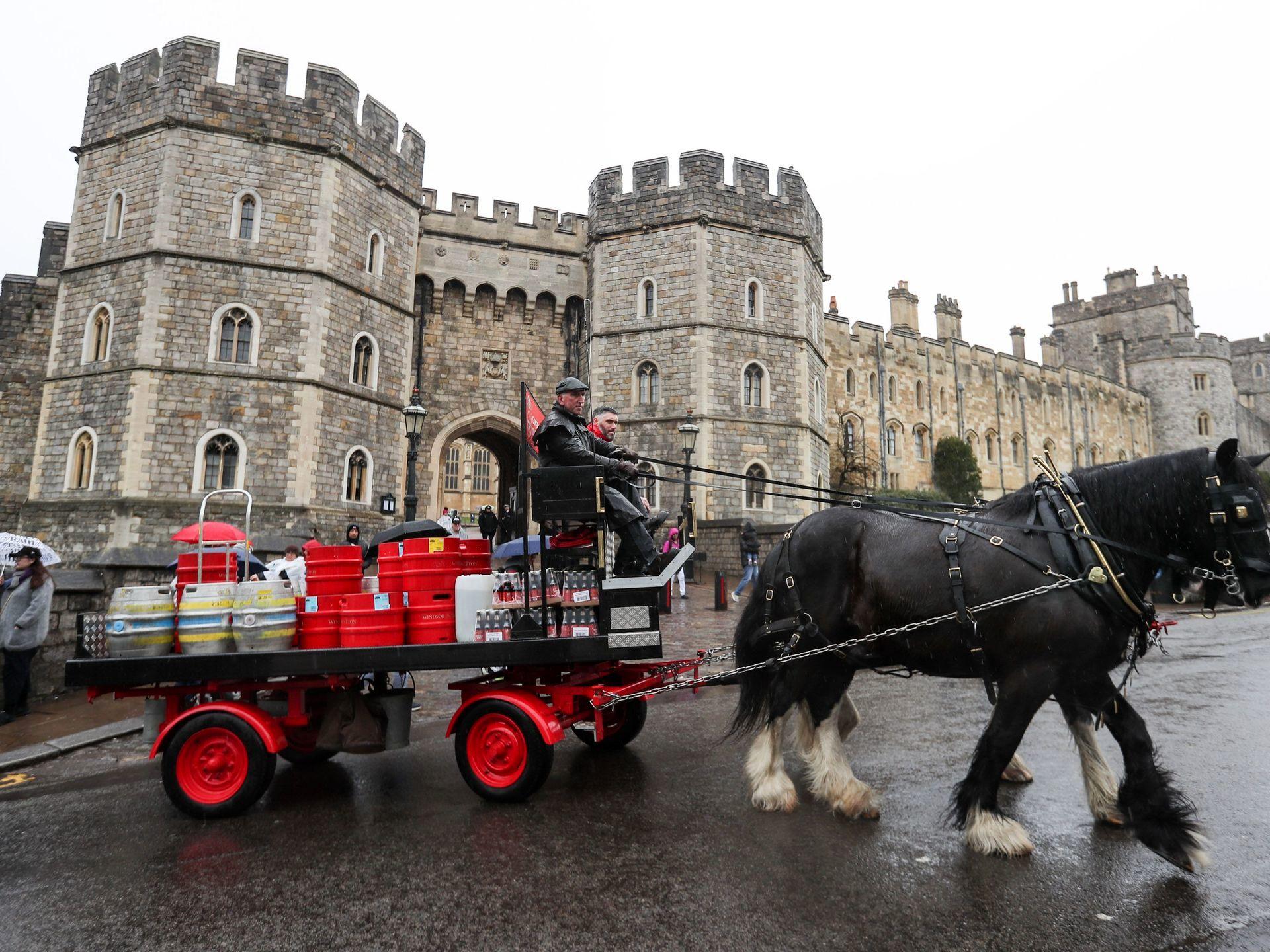 انگلستان خود را برای عروسی سلطنتی آماده میکند