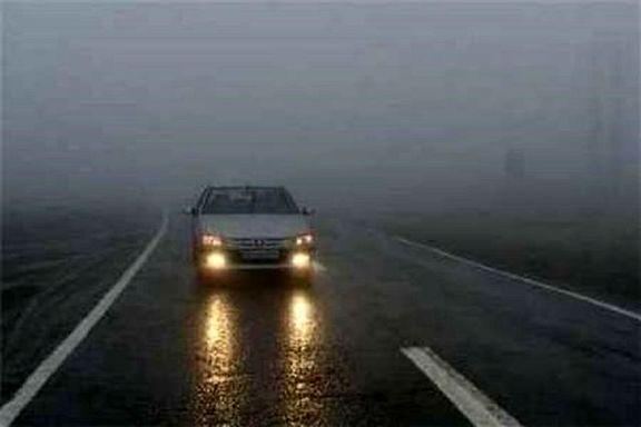 باران جادههای استان تهران را لغزنده کرد