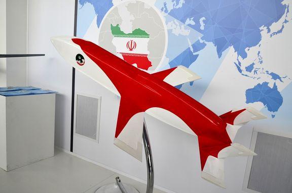 جدیدترین موشک کروز ایرانی با نام «مبین» به نمایش درآمد