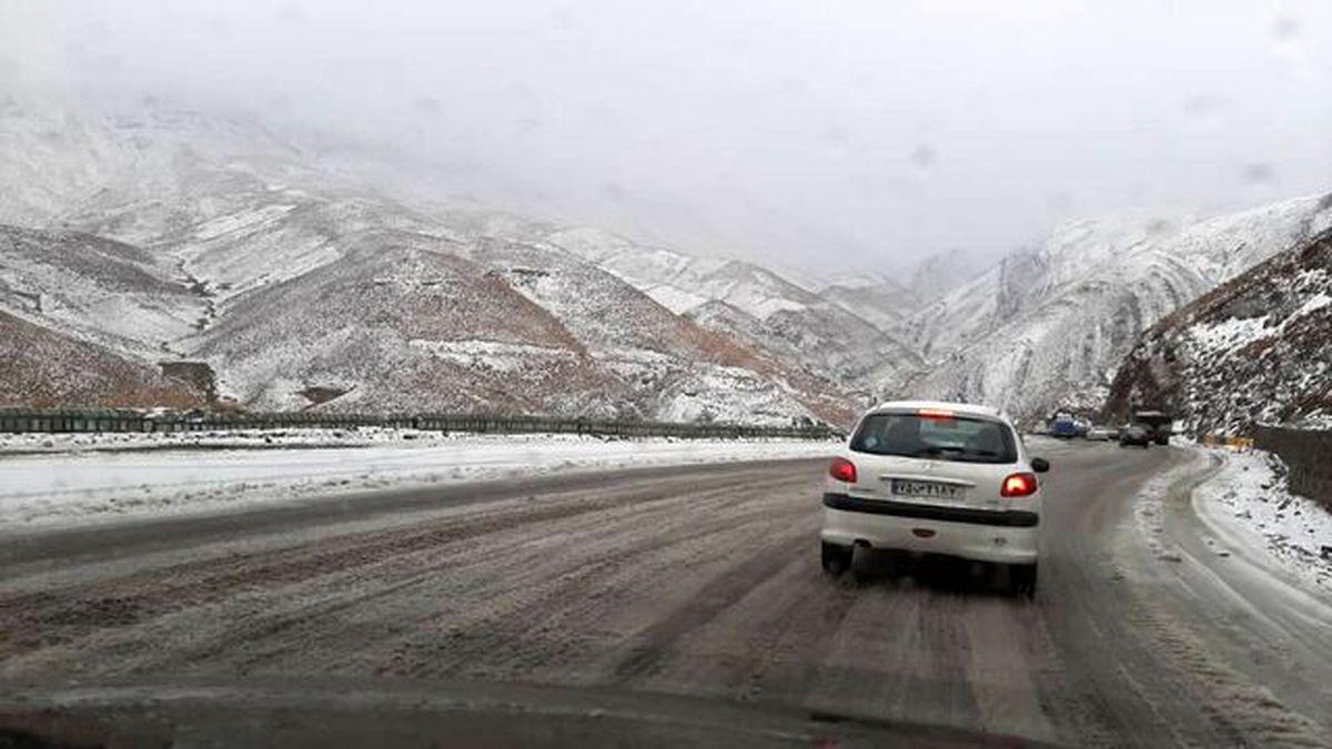 پیش بینی بارش برف و باران در جادههای ٢٥ استان
