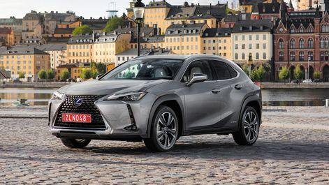 2019-Lexus-UX-250h-Mercury-Grey-F-Sport-2