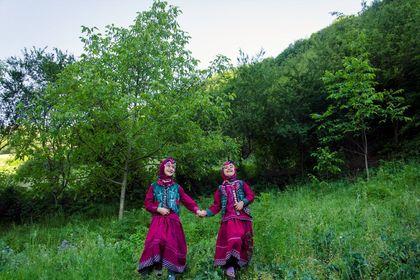 زنان ابریشم کار ایران را دیدهاید؟ +تصاویر