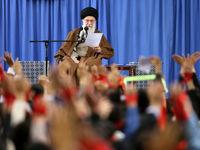 دیدار هزاران نفر ازدانشآموزان و دانشجویان با رهبرانقلاب