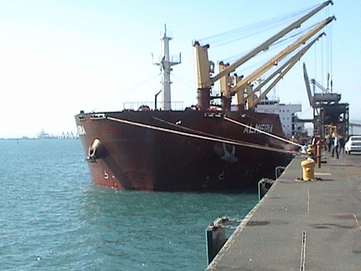 ساخت سازههای دریایی بدون مجوز در مناطق آزاد