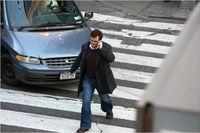 ممنوعیت استفاده از تلفن همراه برای عابران پیاده