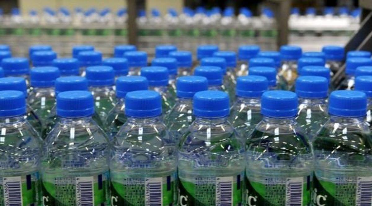 در همایشهای بینالمللی هم آب بستهبندی نمیخورید؟