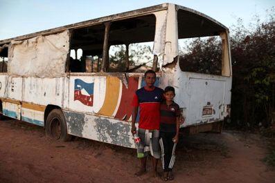 زندگی مهاجران ونزوئلا در اتوبوس