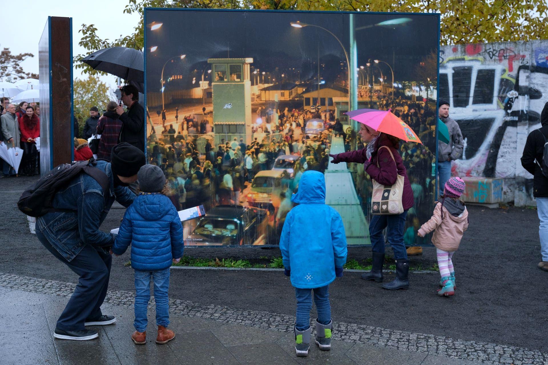 آلمان ۳۰سالگی سقوط دیوار برلین را جشن گرفت