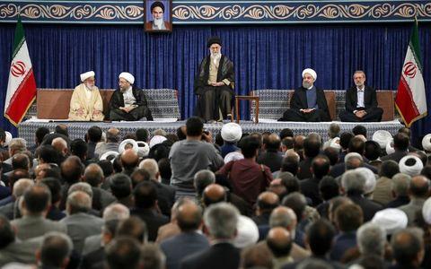 حسن روحانی نماد مردمسالاری است/  تاکید بر سه جهتگیری اصلی دولت آینده