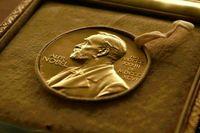 چرا جایزه نوبل به «پل میلگرام» و «رابرت ویلسون» رسید؟