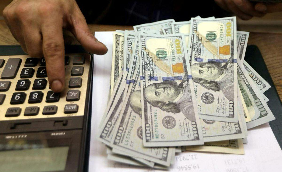 دلار و یورو ۲۰۰تومان گران شد/ شیطنت دلالان ارز در فضای مجازی