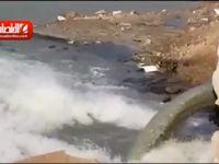 ورود فاضلاب شهرى اهواز به رودخانه کارون +فیلم