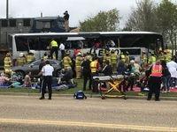 تصادف قطار و اتوبوس در آمریکا +عکس