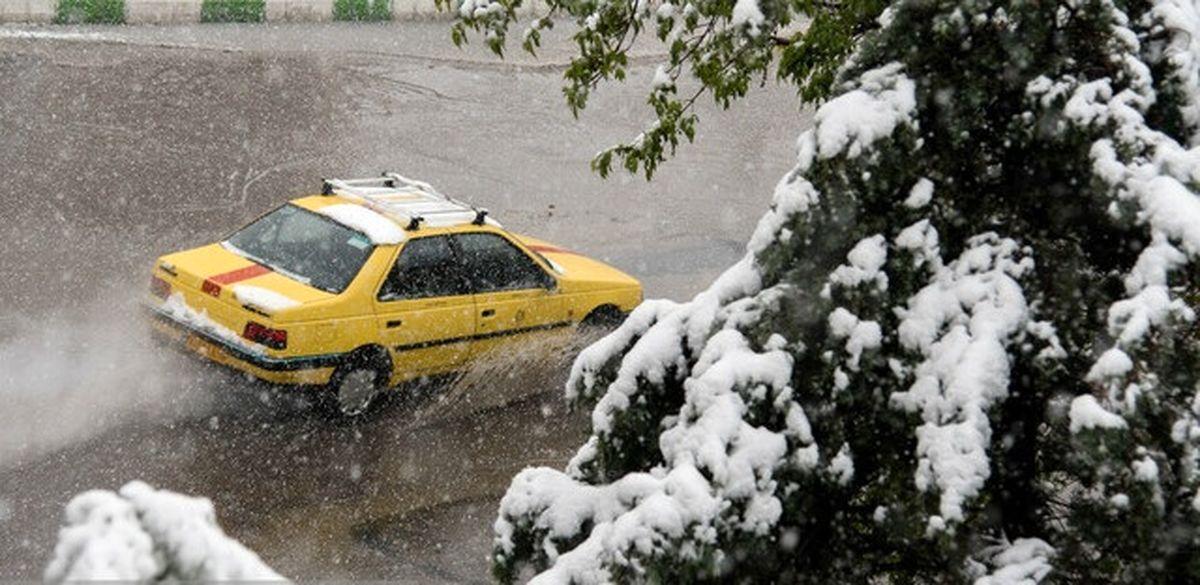 برف و باران در محورهای تهران-شمال و برخی جادههای کشور