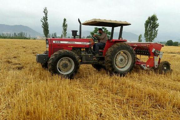 امسال ۱۴هزار دستگاه تراکتور به کشاورزان تحویل داده شد