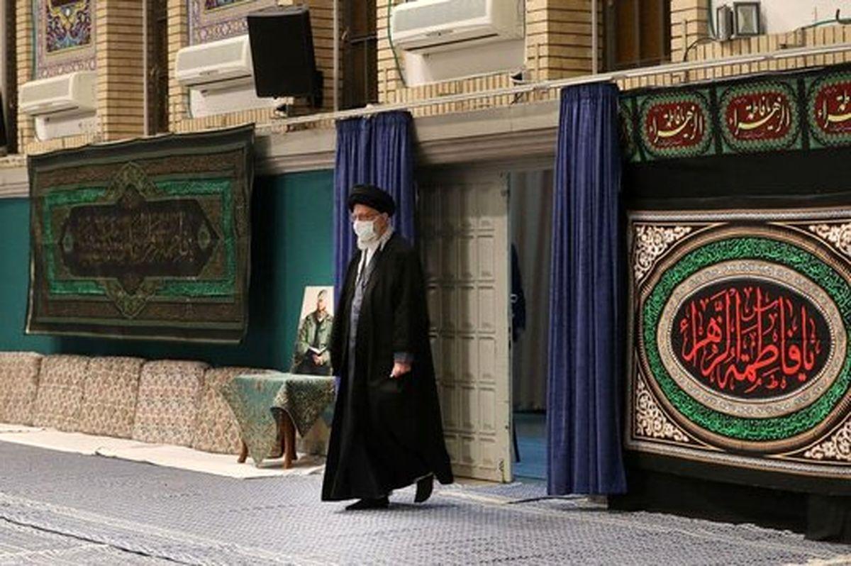 ورود رهبر انقلاب به مراسم عزاداری شهادت حضرت زهرا (س) +عکس