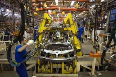 انتظار ثبات قیمت خودرو عادلانه نیست/ افزایش ۱۹.۵درصدی قیمت خودرو