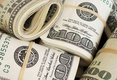 بازگشت دلار به کانال ۱۲هزار تومان/ بازارسازان مغلوب فشار نوسانگیران شدند