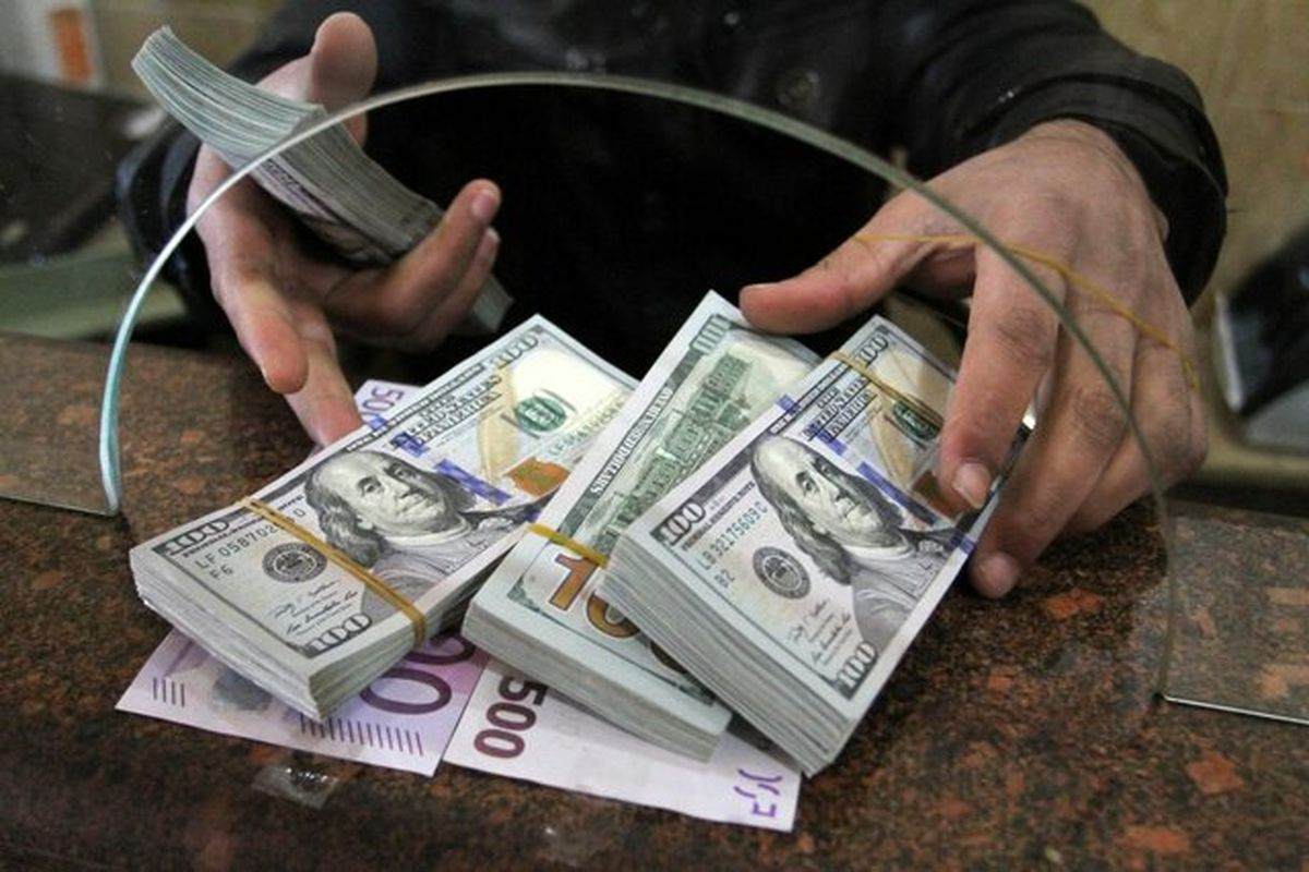 کاهش ۵درصدی قیمت دلار در یک روز/ روند نزولی نرخ ارز ادامه دارد؟