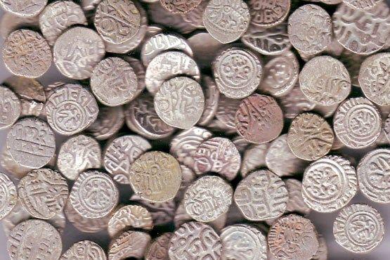 سکههای تاریخی دوران اشکانی و صفوی کشف شد