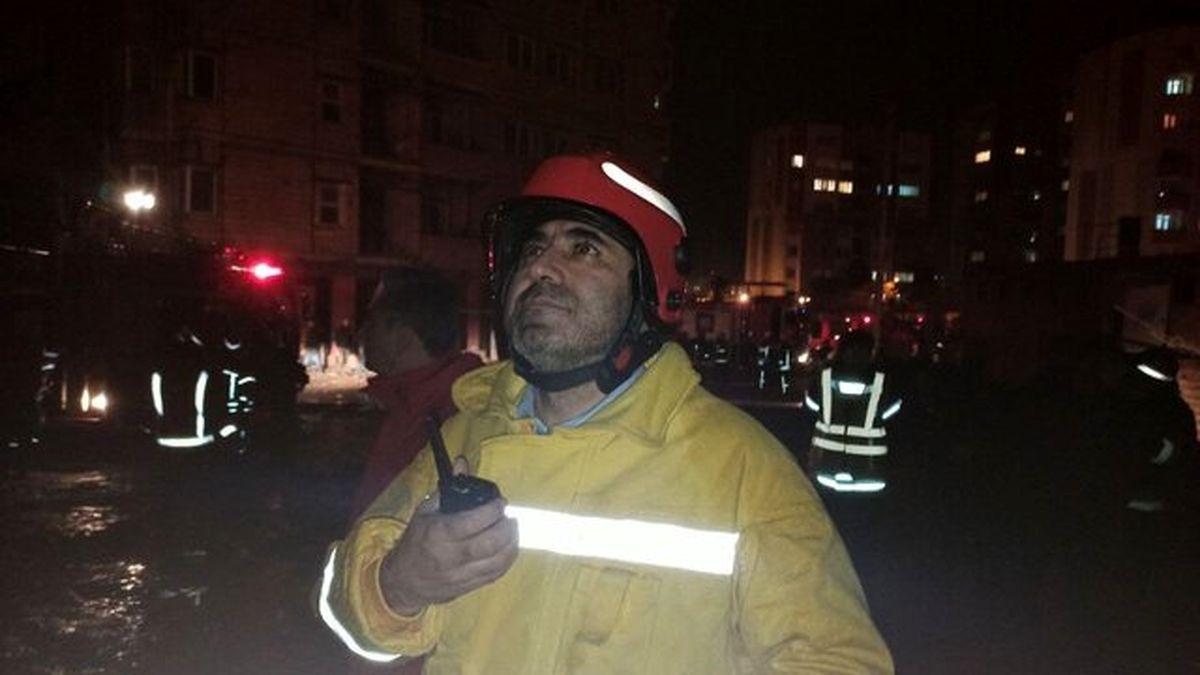 ساختمان ۲۱ طبقه در آتش سوخت +عکس