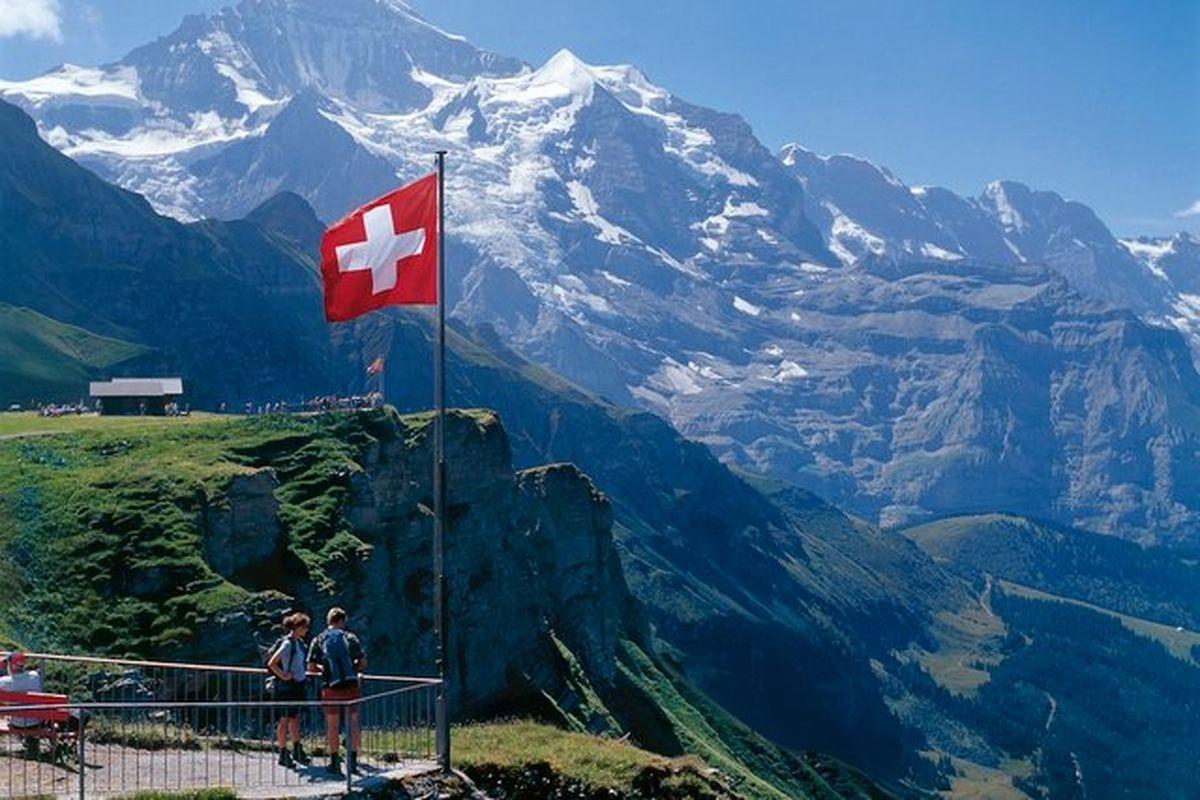 ثبت رشد اقتصادی منفی ۰.۵درصد برای سوییس