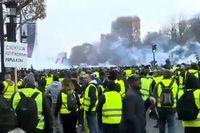 تجمع دوباره اعتراضی موسوم به جلیقه زردها در فرانسه/ پلیس به استفاده از تسلیحات روی آورد