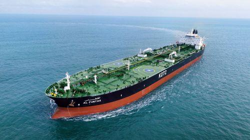 کار و زندگی روی بزرگترین نفتکش دنیا