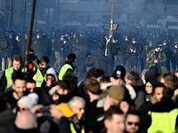 بازداشت 8هزار و 400جلیقه زرد در فرانسه