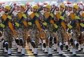 تقدیر از افسران و سربازان غیور ارتش جمهوری اسلامی ایران +فیلم