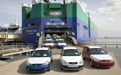 واردات خودرو ۶۲ درصد افزایش داشته است