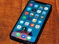 چرا آیفون ارزان قیمت اپل با تاخیر عرضه میشود؟