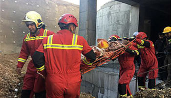 سقوط کارگر به درون گودال هفت متری