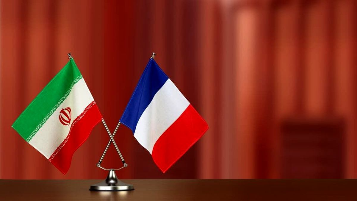 فرانسه به دنبال فرمولی برای حذف تحریمهای ایران
