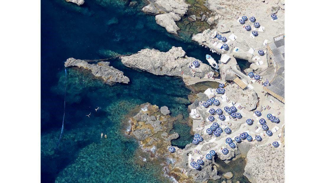 عکاسی از زیباییهای زمین در ارتفاع دو کیلومتری