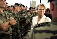 هدایت ارتشهای جهان توسط زنان آهنین +عکس