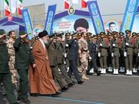 مراسم دانشآموختگی دانشجویان دانشگاههای افسری ارتش با حضور رهبر انقلاب +عکس