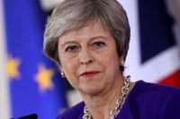 «می» نخست وزیری انگلیس باقی ماند