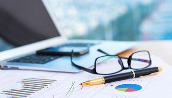 نرخهای غیرفنی گریبان صنعت بیمه را گرفته است
