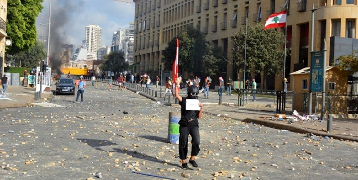 یک کشته و ۱۸۰مجروح در تظاهرات خشونتآمیز بیروت