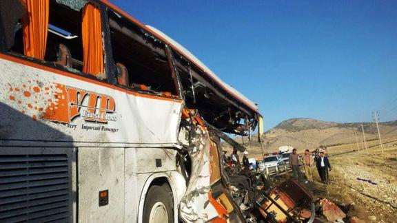 ۷ کشته براثر واژگونی اتوبوس مشهد ـ بندرعباس در کرمان