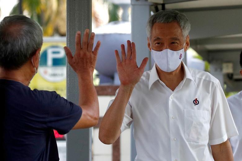 نخست وزیر سنگاپور با ماسک