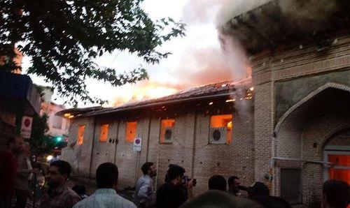 مصدومیت 12 نفر در آتشسوزی مسجد جامع و بازار ساری
