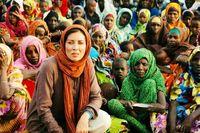مهتاب کرامتی در میان زنان و کودکان آفریقایی +عکس