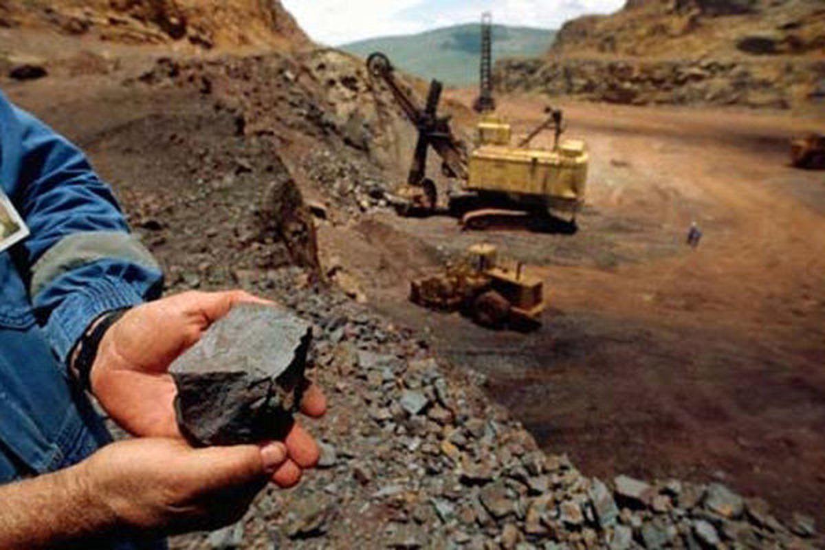 کرباسیان: با خامفروشی سنگآهن خداحافظی می کنیم