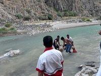 برخورد سر جوان به کف رودخانه منجر به مرگ وی شد