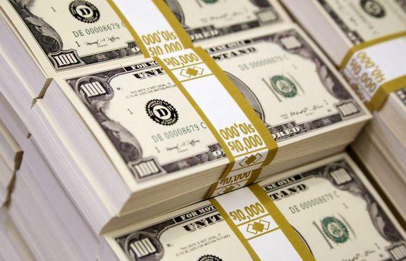 چین شروع به انبار دلار کرده است؟
