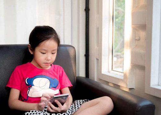 چه خطری کودکان را در فضای مجازی تهدید میکند؟