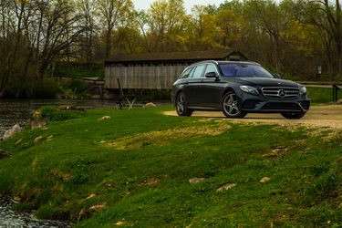 2017-Mercedes-Benz-E400-4Matic-Wagon
