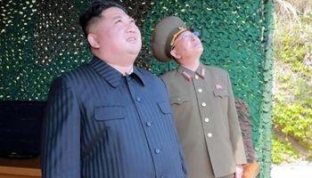 تأکید کیم بر عدم کنار گذاشتن تسلیحات اتمی کره شمالی